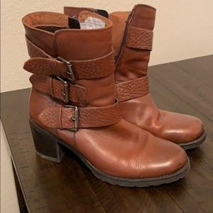 Clark's, Brown leather boots